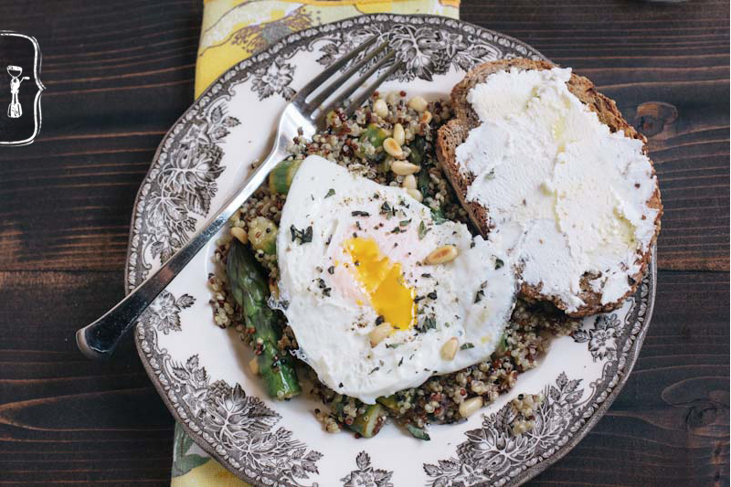Quinoa with Asparagus and a Fried Egg