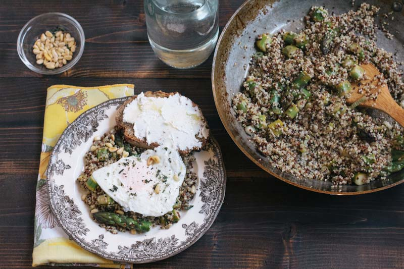 Quinoa with asparagus and fried egg recipe