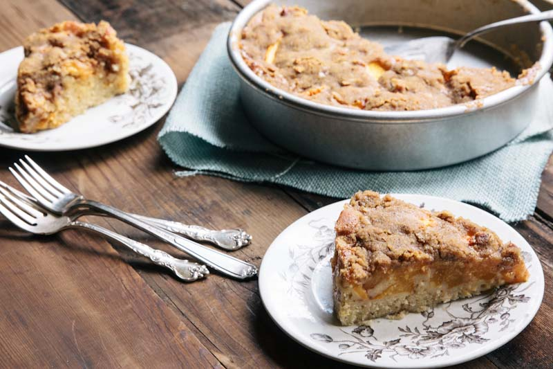 Peach Buckle Coffeecake Recipe • theVintageMixer.com