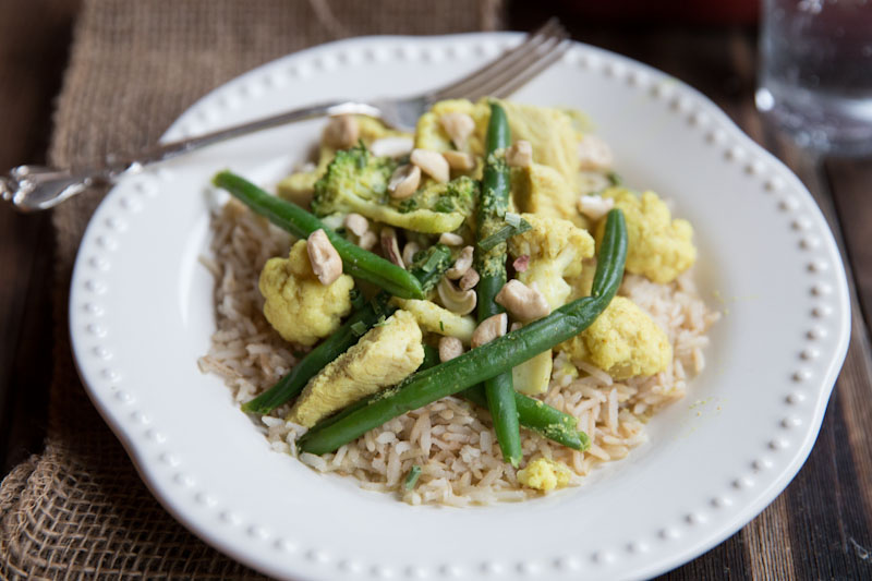 Curry Chicken with Cashews, Cauliflower and Green Beans