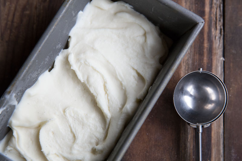 Ginger Vanilla Bean Frozen Yogurt Recipe