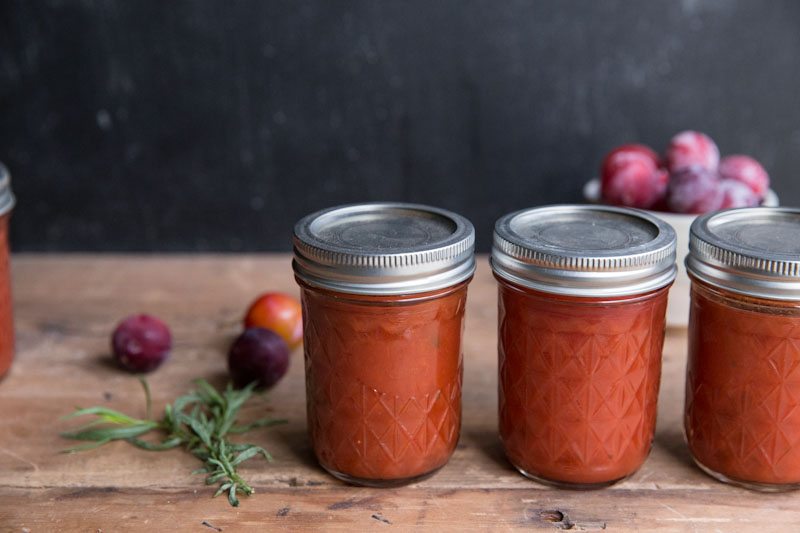 Plum Tarragon Jam Recipe • theVintageMixer.com #canning #preserving