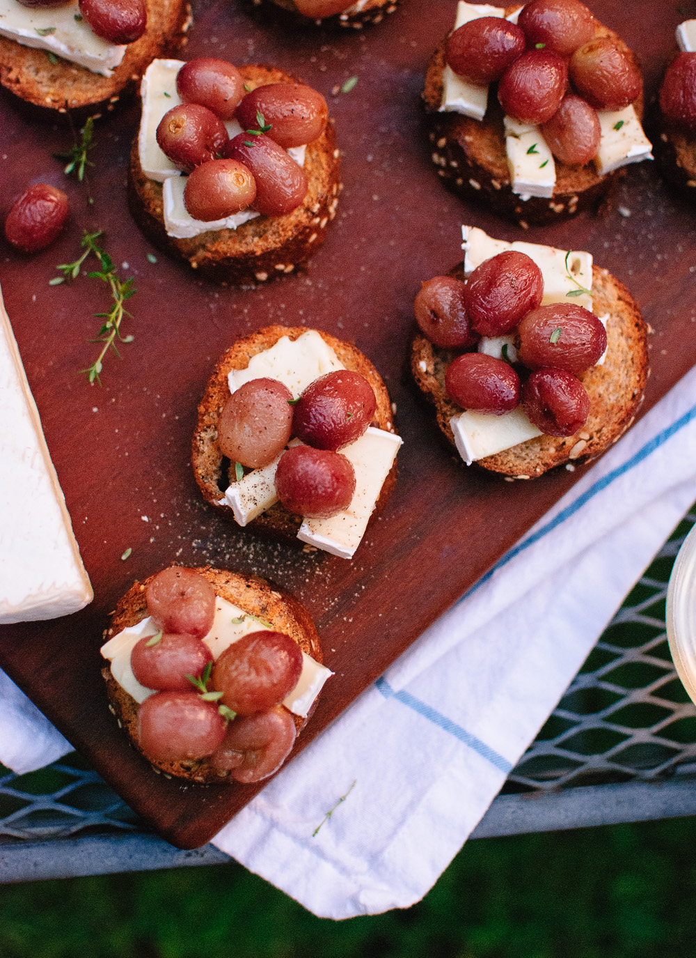 Roasted Grape Crostini #eatseasonal