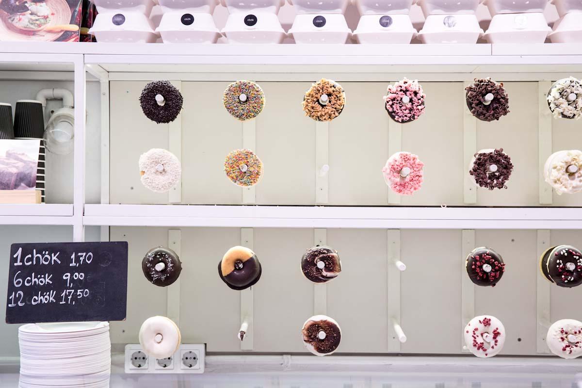 Chok Pastries in Barcelona Spain • theVintageMixer.com #cronut #donut #barcelona