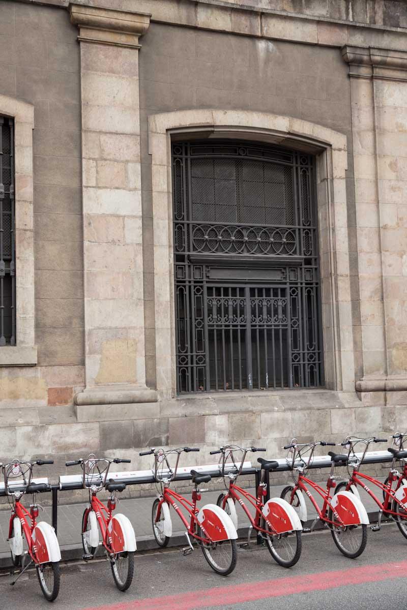 Barcelona Spain • theVintageMixer.com #travel #barcelona