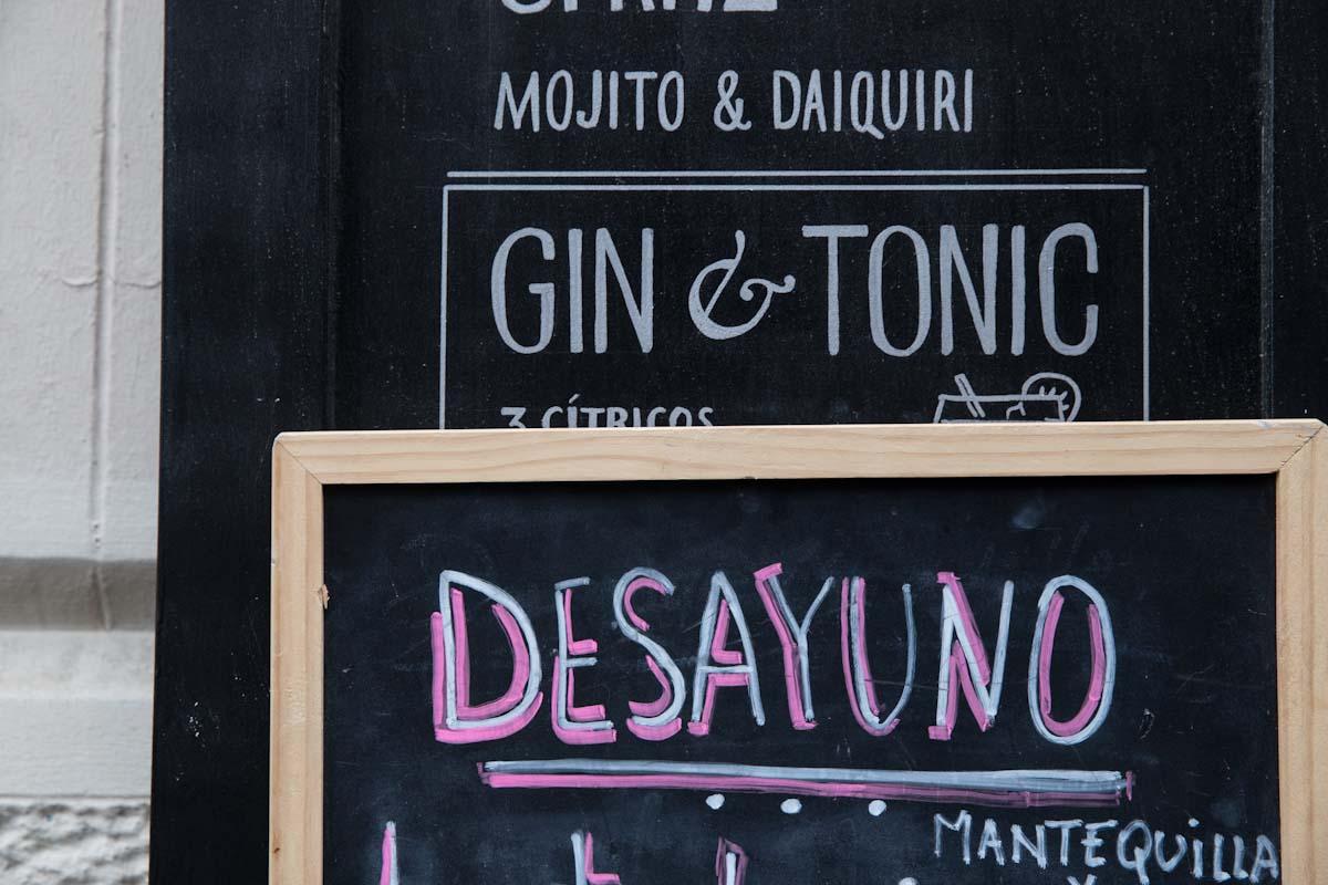 Cocktails in Barcelona Spain •theVintageMixer.com #travel #barcelona