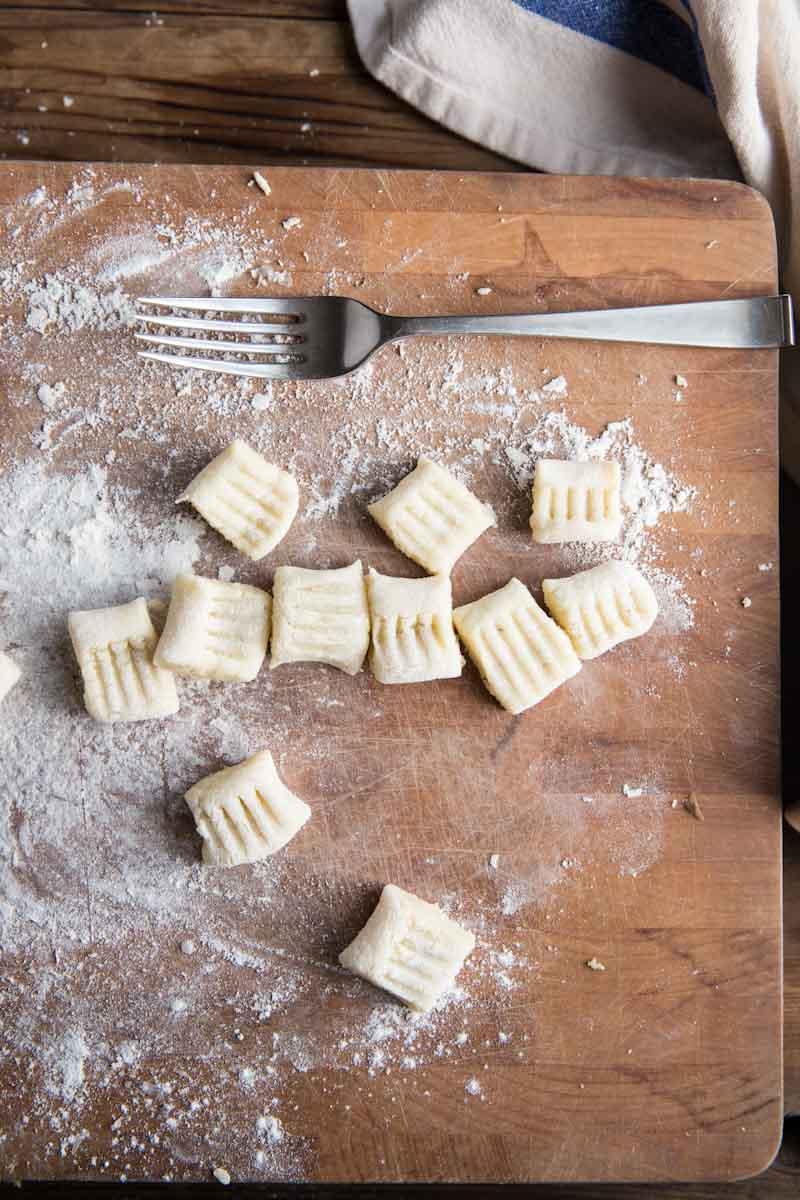 How to make homemade gnocchi •theVintageMixer.com #gnocchi