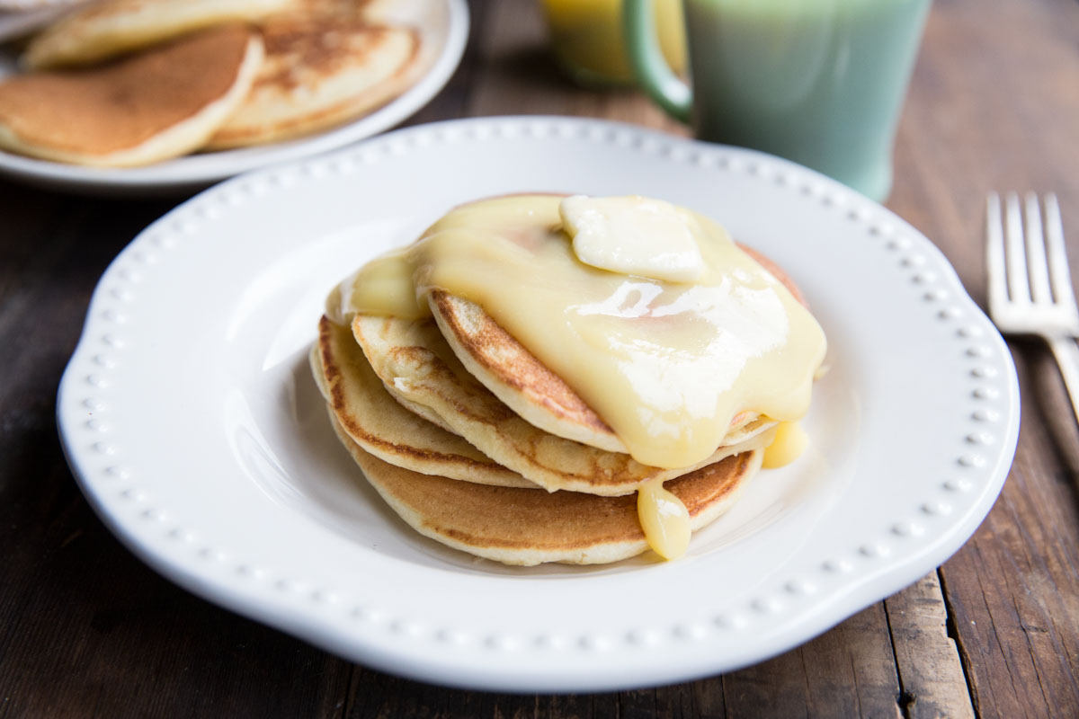 Lemon Ricotta Pancakes Recipe • theVintageMixer.com #pancakes