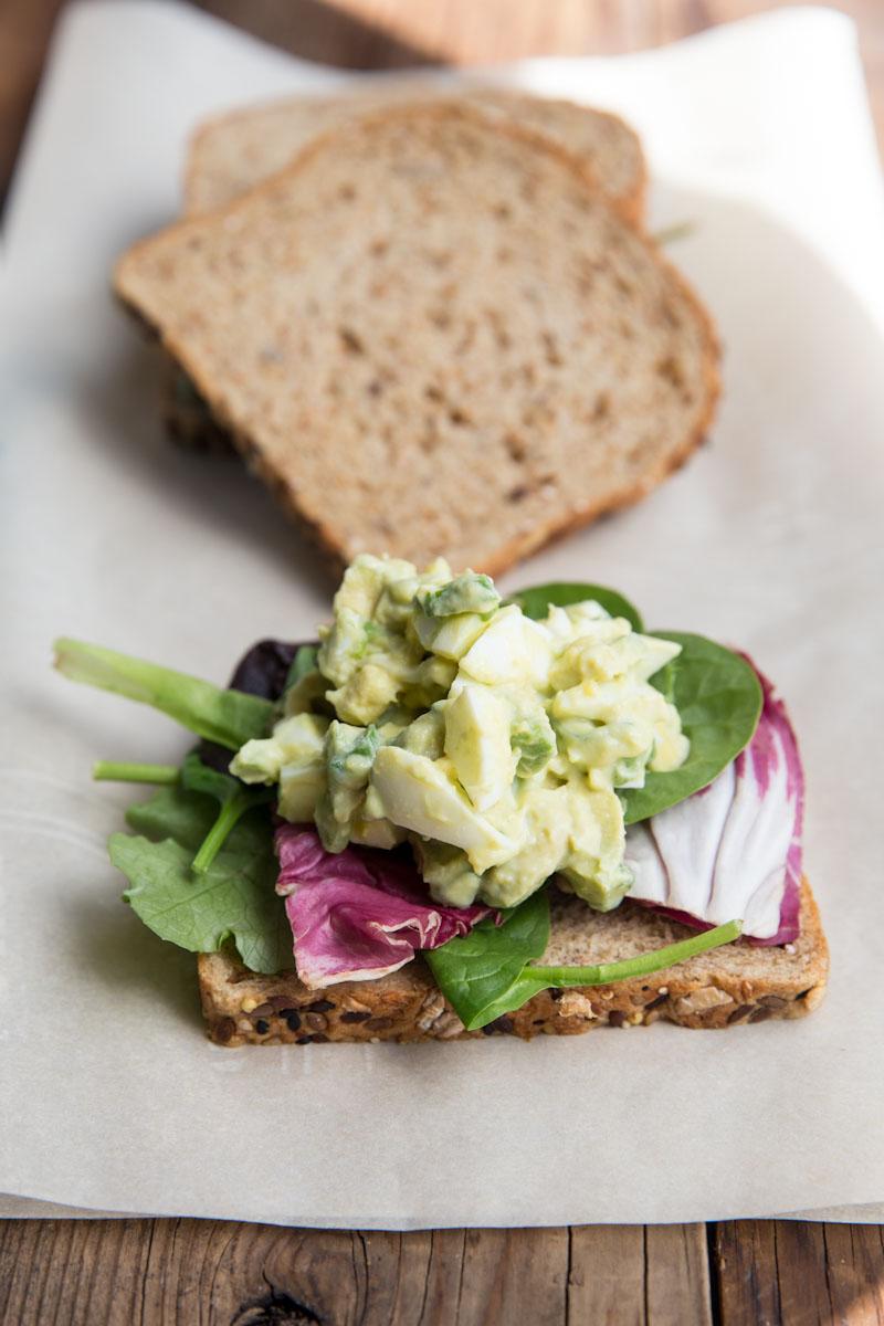 Avocado Egg Salad Recipe • theVintageMixer.com #eatseasonal #avocadorecipe
