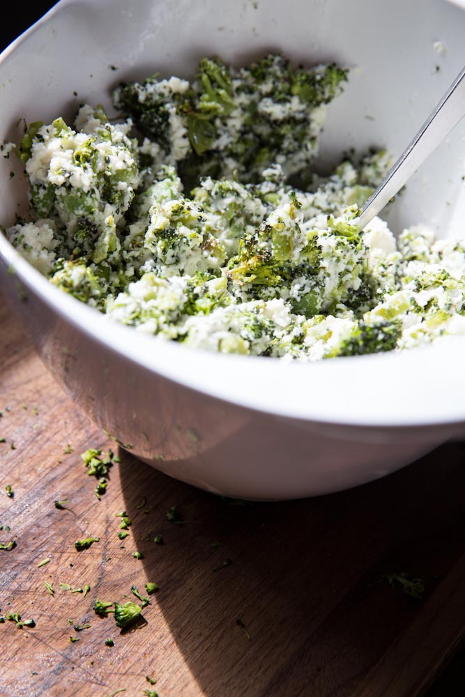 Roasted Broccoli Stuffed Shells Recipe • theVintageMixer.com #pasta