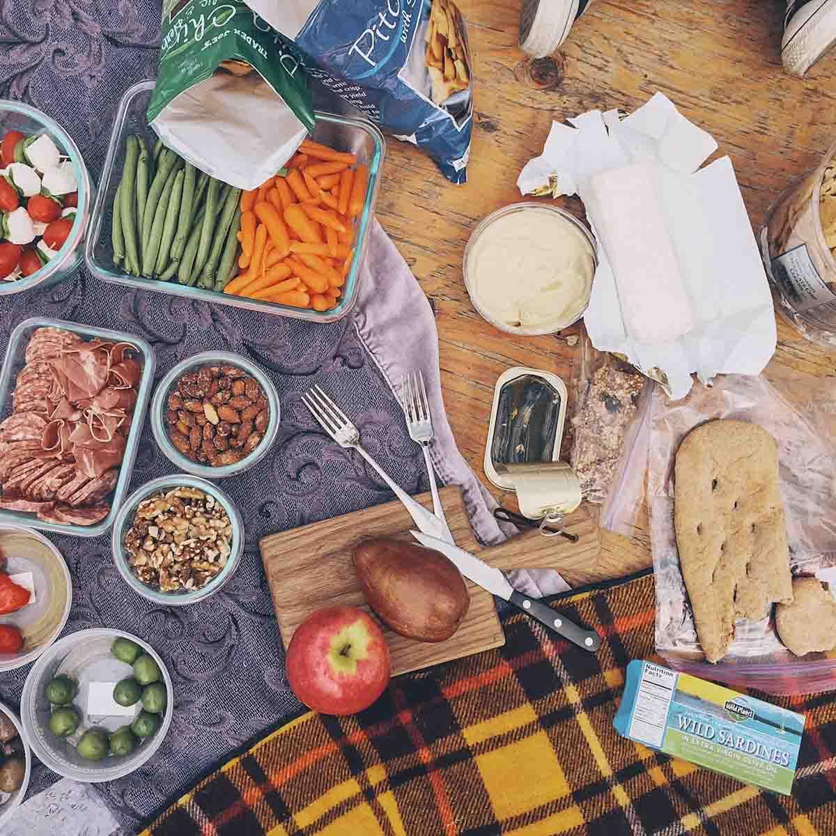 Culinary School picnic • theVintageMixer.com #culinaryschool