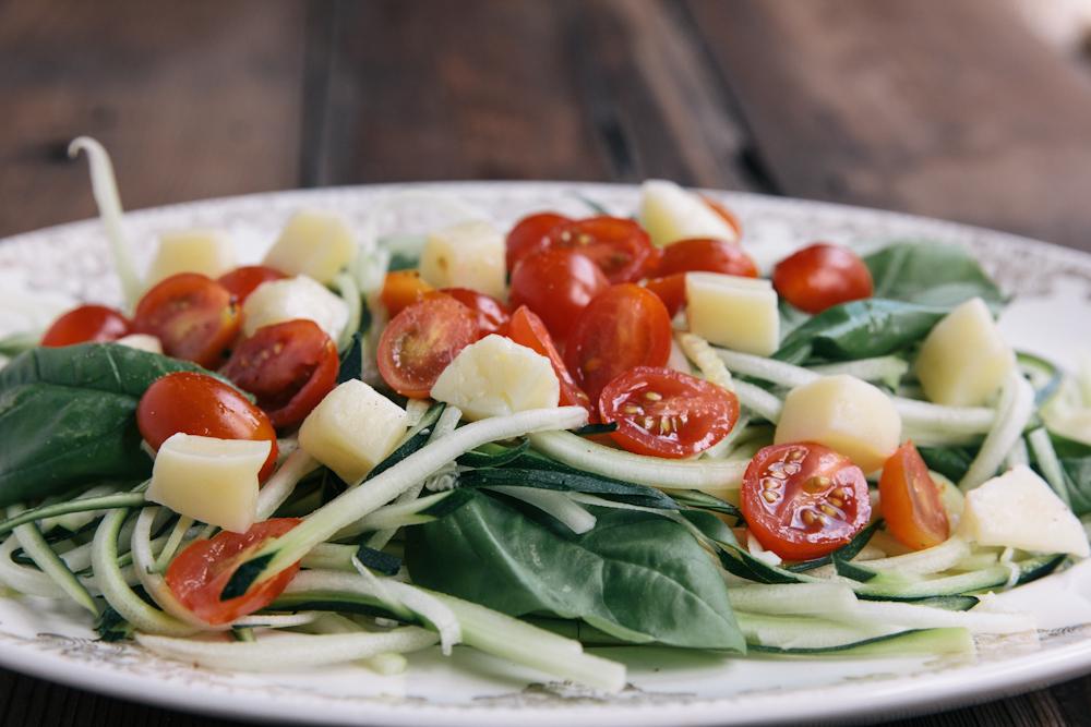 zucchini noodle salad recipe