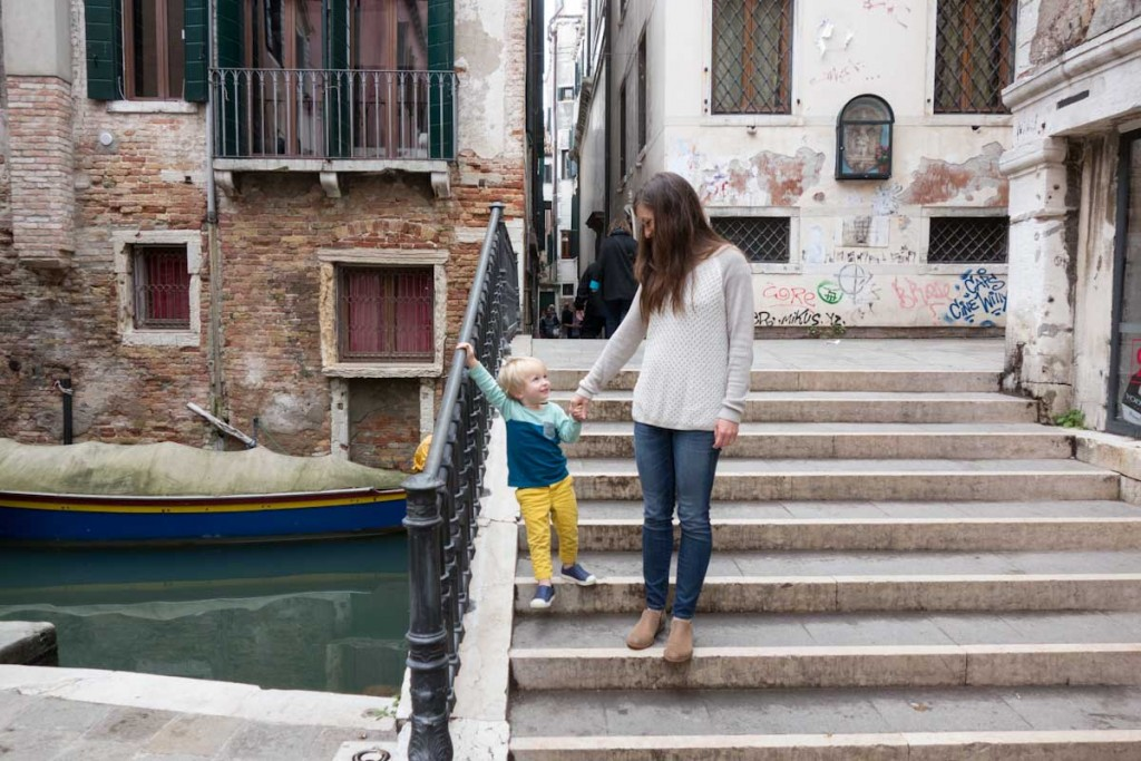 Traveling to Venice with kids • theVintageMixer.com #travel #italy #venice #travelingwithkids