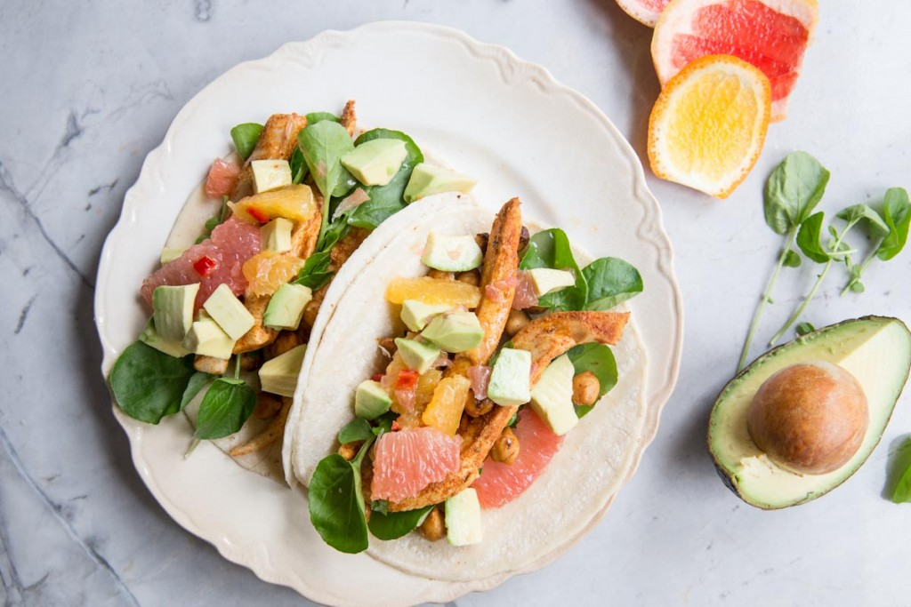 chicken and chickpea tacos with citrus avocado salsa • theVintageMixer.com #cleaneating #healthyeating #tacos #chickenrecipe