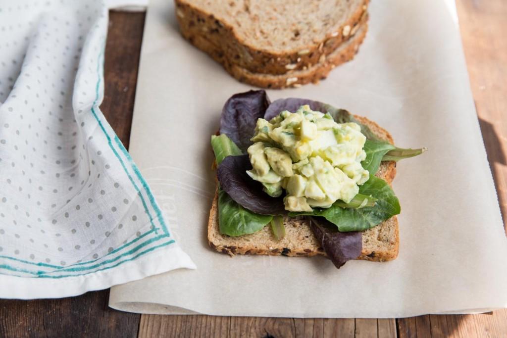 Avocado Egg Salad Recipe • theVintageMixer.com #avocado #eggsalad #lunchrecipe