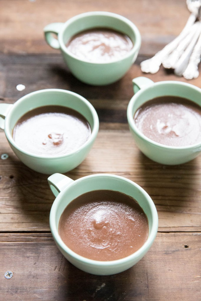 Homemade Chocolate Pudding Recipe • theVintageMixer.com #chocolaterecipe #fromscratchrecipe