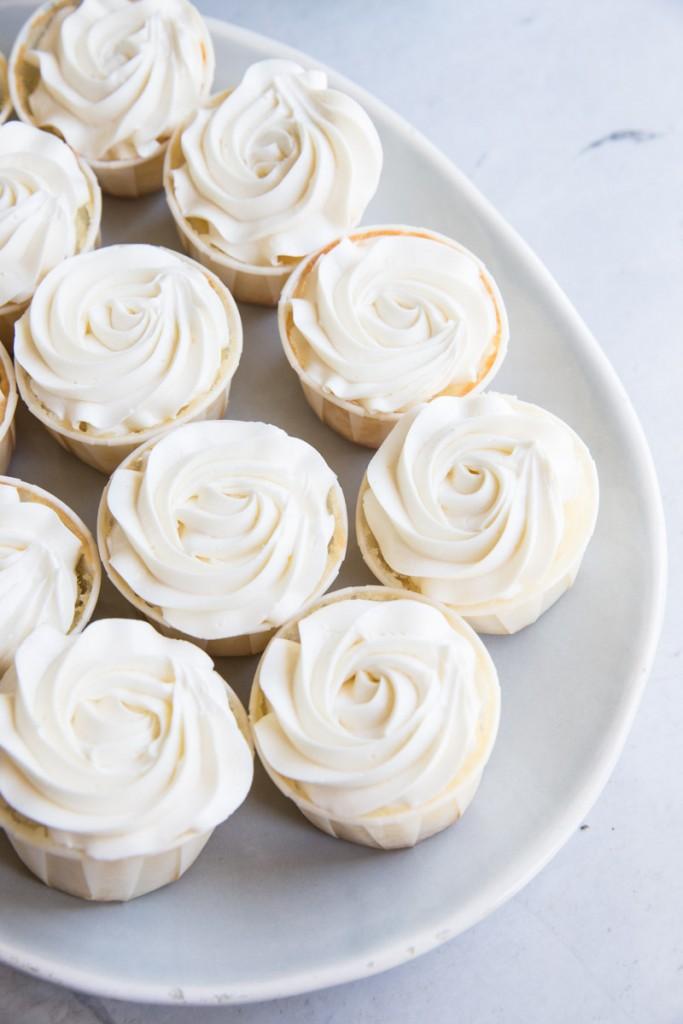 Best Vanilla Cupcake Recipe • theVintageMixer.com #cupcakes #vanillacupcakes