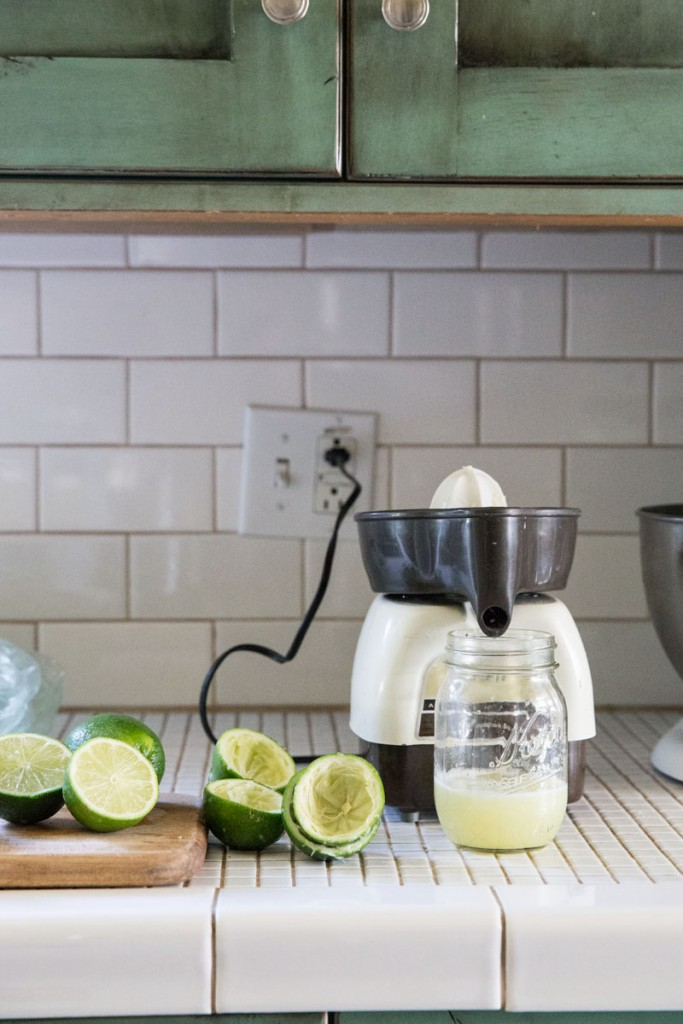 Rhubarb Mint Limeade Recipe • theVintageMixer.com #limeade #summerdrink #drinkrecipe