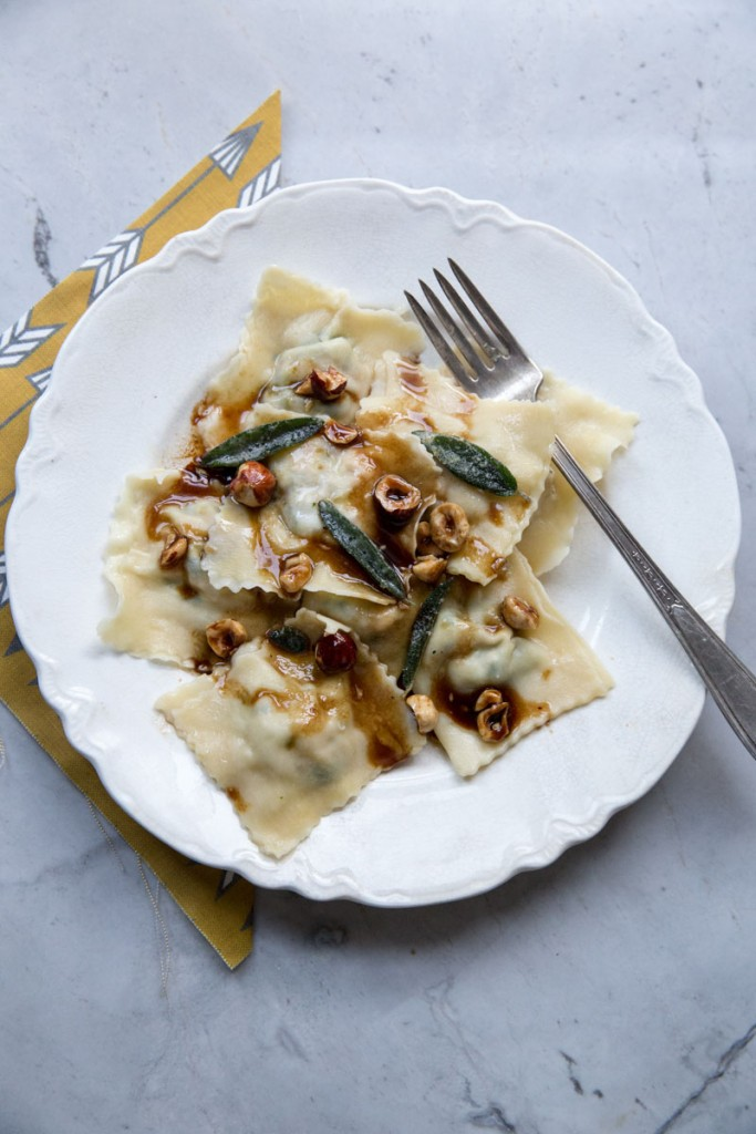 Freezer Friendly Butternut Squash Ravioli • theVintageMixer.com #cookbook #freezermeals #freezerrecipe