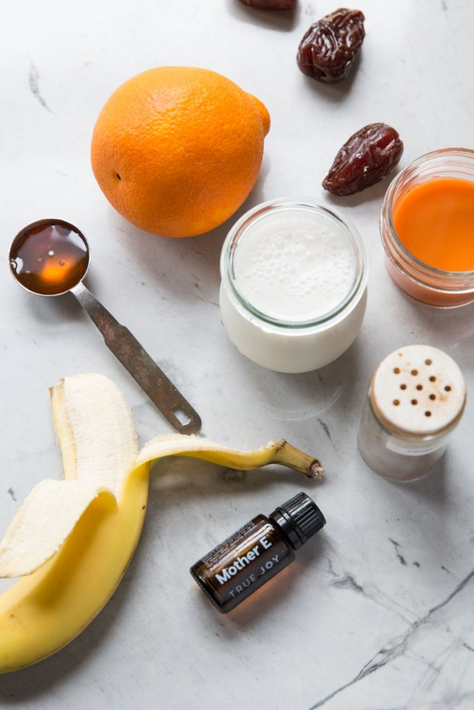 Carrot and Orange Sunrise Smoothie Recipe • theVintageMixer.com #smoothierecipe #healthyrecipes #MotherEmoment #paleorecipe #essentialoilrecipe #essentialoils