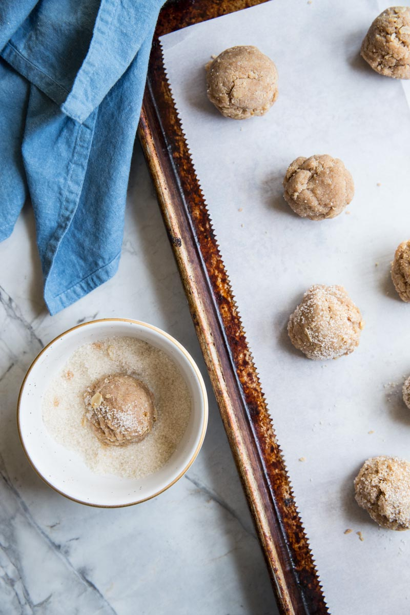 You just need a tiny bit of sugar for finishing these Vegan and Gluten Free Almond Butter Cookies