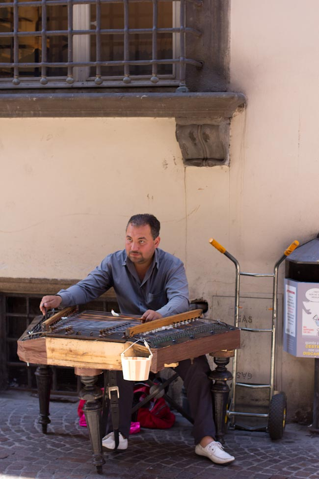 musician in Lucca Italy