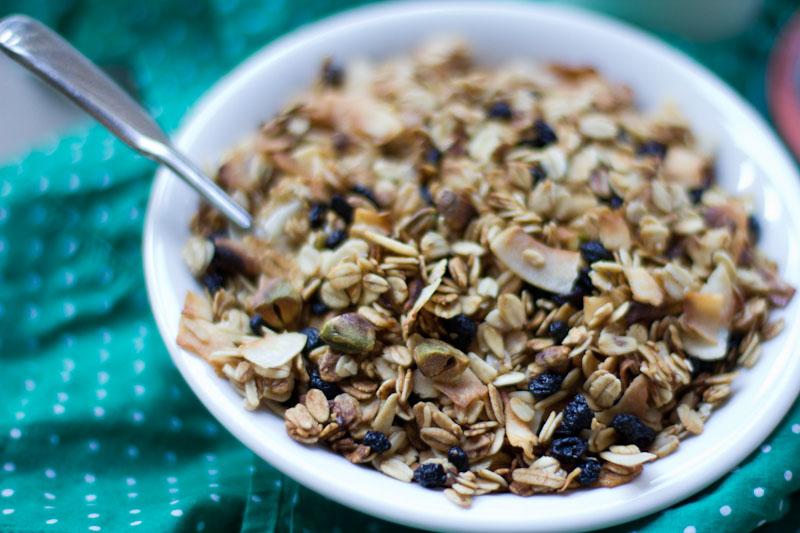 Blueberry Pistachio Granola Recipe