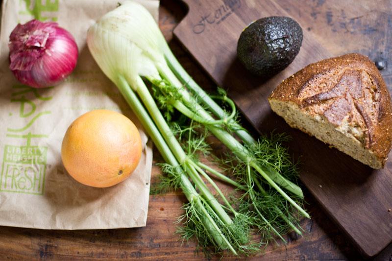 Panzanella_Salad_with_grapefruit_fennel_avocado_Vintage_Mixer