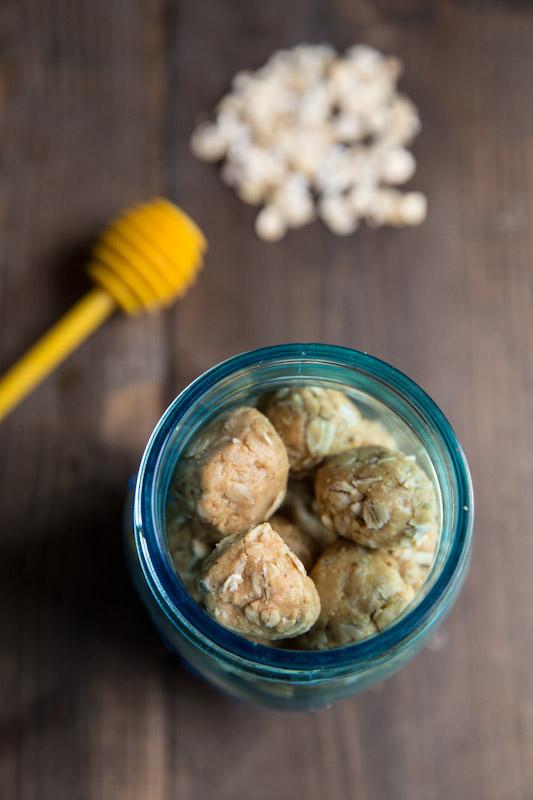 Peanut Butter Honey Oat Protein Bites | theVintageMixer.com