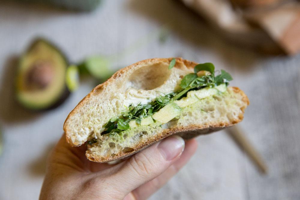 Green Veggie Picnic Sandwich • theVintageMixer.com