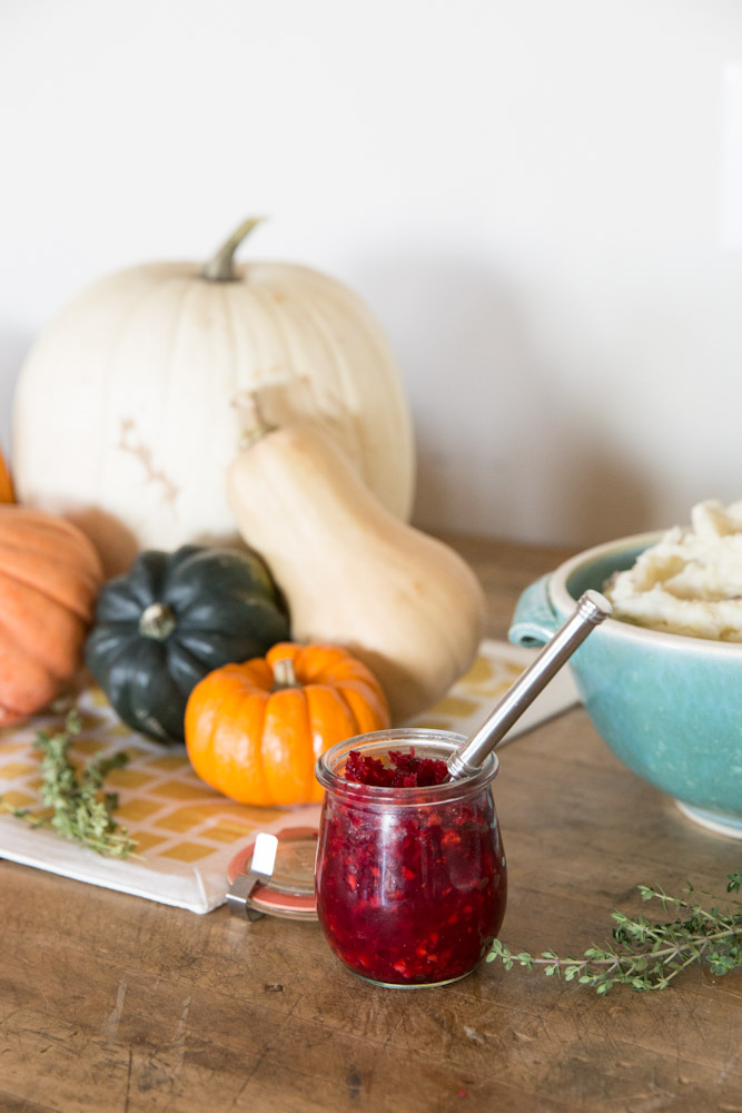 Raw Cranberry Orange Sauce • theVintageMixer.com #Thanksgiving