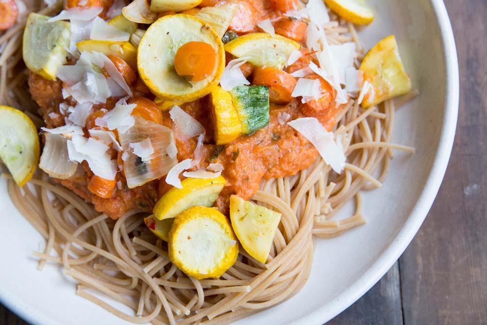 Blender Roasted Vegetable Pasta Sauce Recipe •theVintageMixer.com