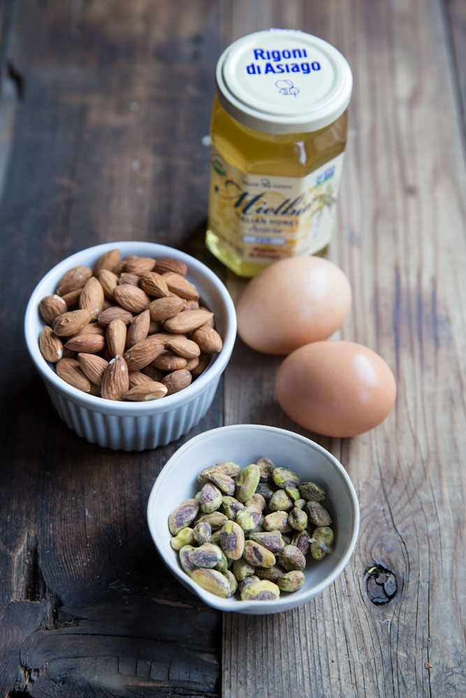 Homemade Torrone Recipe • theVintageMixer.com #holidaygifts #ediblegifts #candy