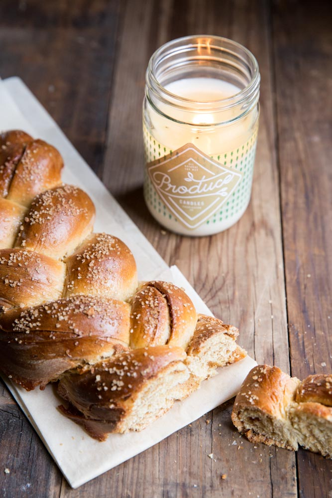 cinnamon roll challah recipe • theVintageMixer.com