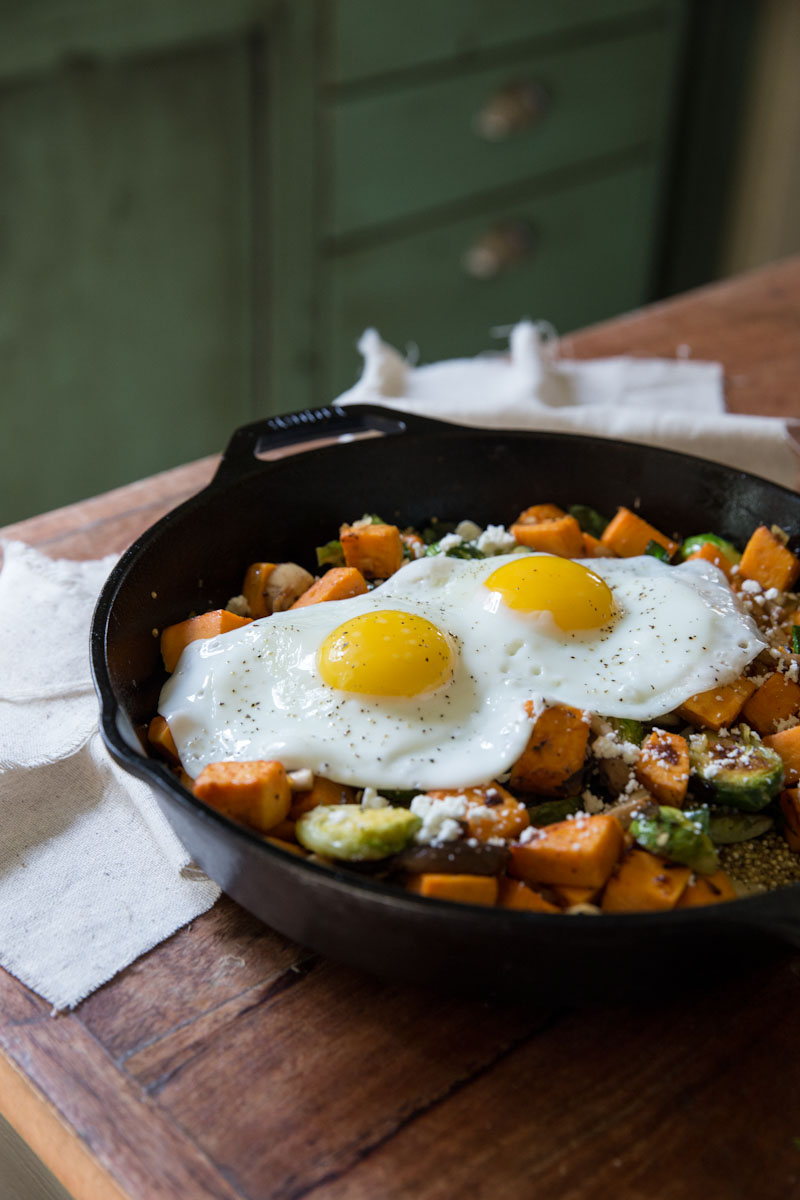 Sweet Potato Mushroom Brussels Sprout Hash with Quinoa • theVintageMixer.com #breakfast