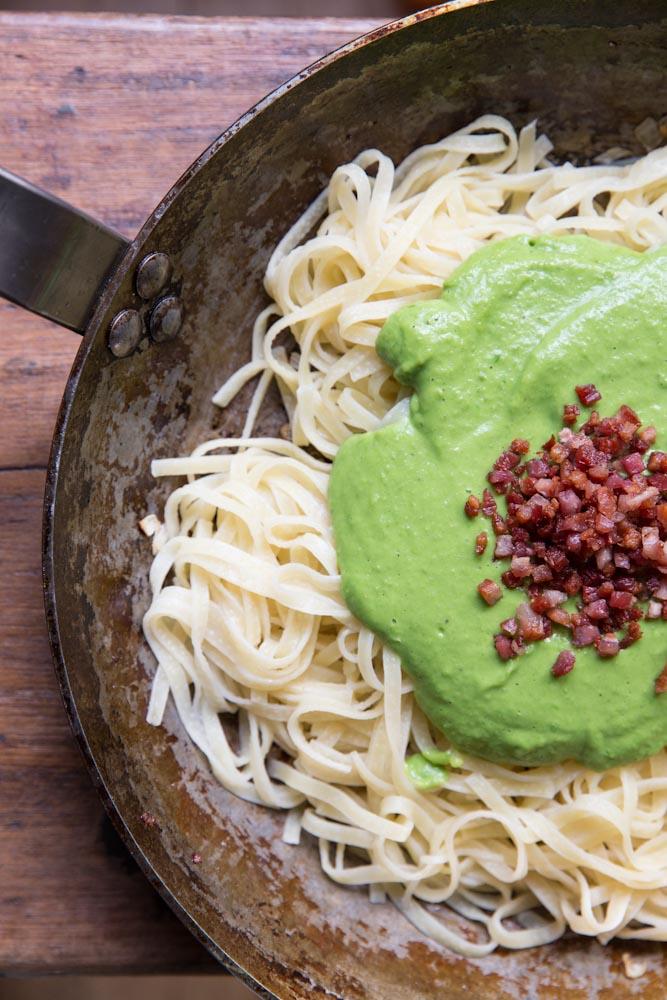 Fresh Pea Carbonara Recipe • theVintageMixer.com #eatseasonal