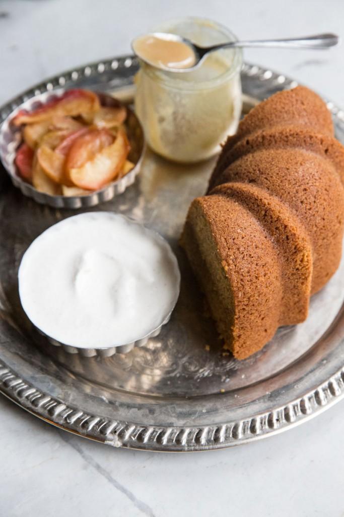 Butternut Squash Cake Recipe • theVintageMixer.com #eatseasonal
