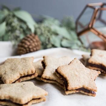 Pecan Sables with Dark Chocolate Ganache • theVintageMixer.com #cookies #sweetspot