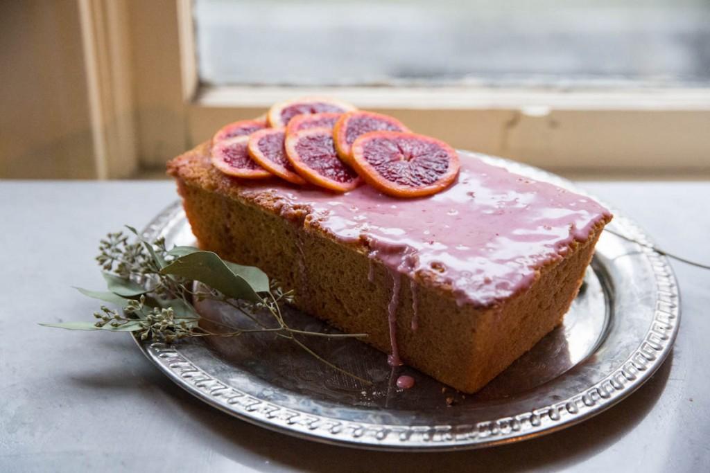 Blood Orange Olive Oil Cake • theVintageMixer.com #bloodoranges #cake #healthyrecipe #cleaneating
