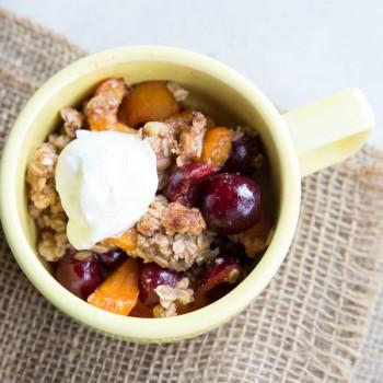 Apricot Cherry Breakfast Crisp Recipe • theVintageMixer.com #healthybreakfast #breakfastrecipe #crisprecipe #apricots #cherries