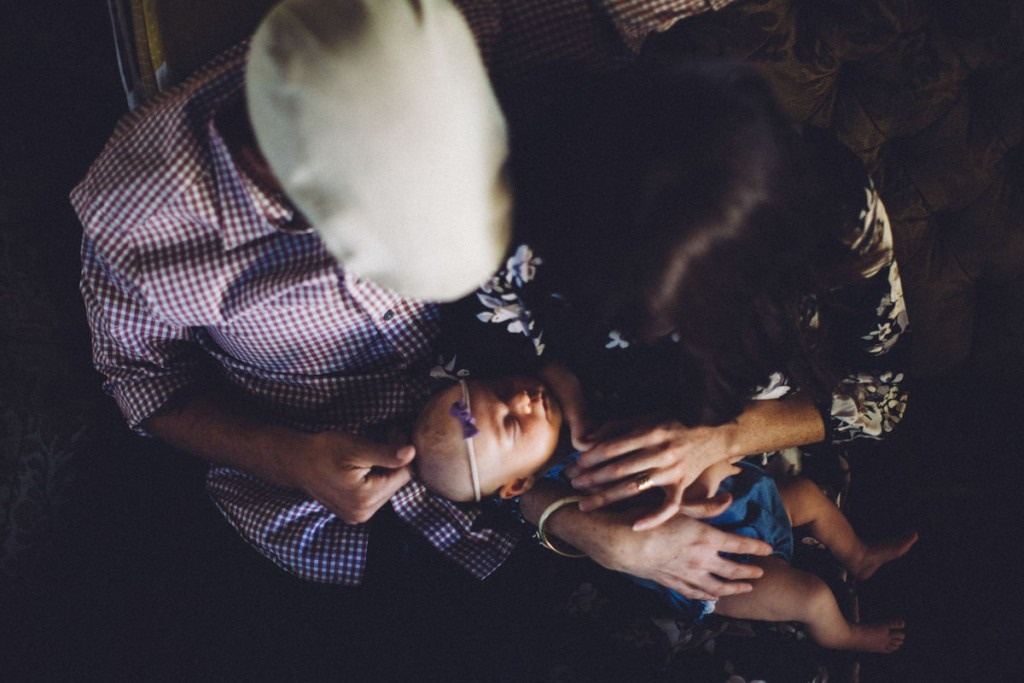 New Baby Family Photos • theVintageMixer.com #familyphotography