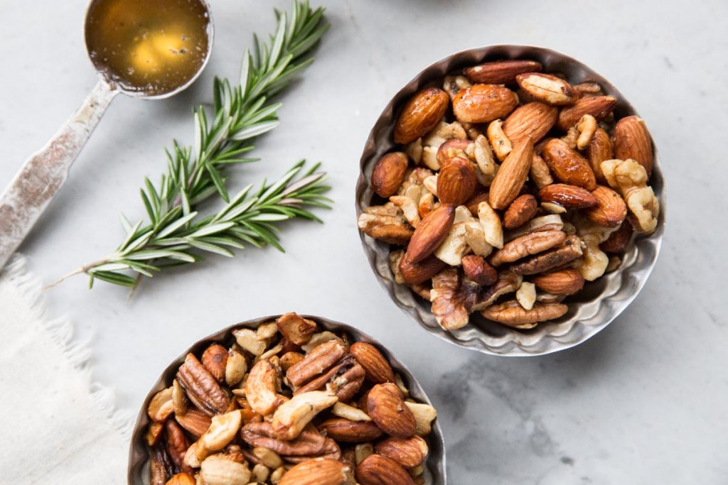 Rosemary and Honey Spiced Nuts Recipe • theVintageMixer.com #motheremoment #roastednuts #spicednuts #essentialoilrecipe