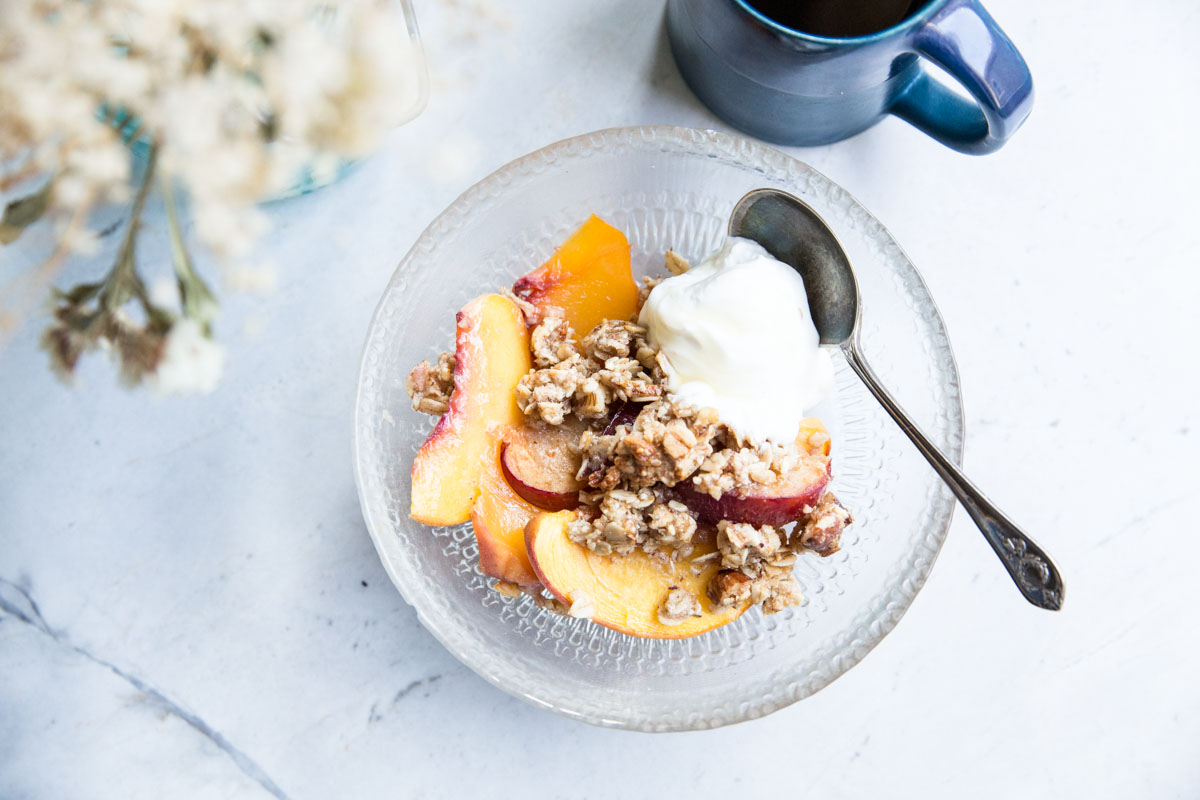 Try Peach Crisp for breakfast with this easy and healthy recipe.