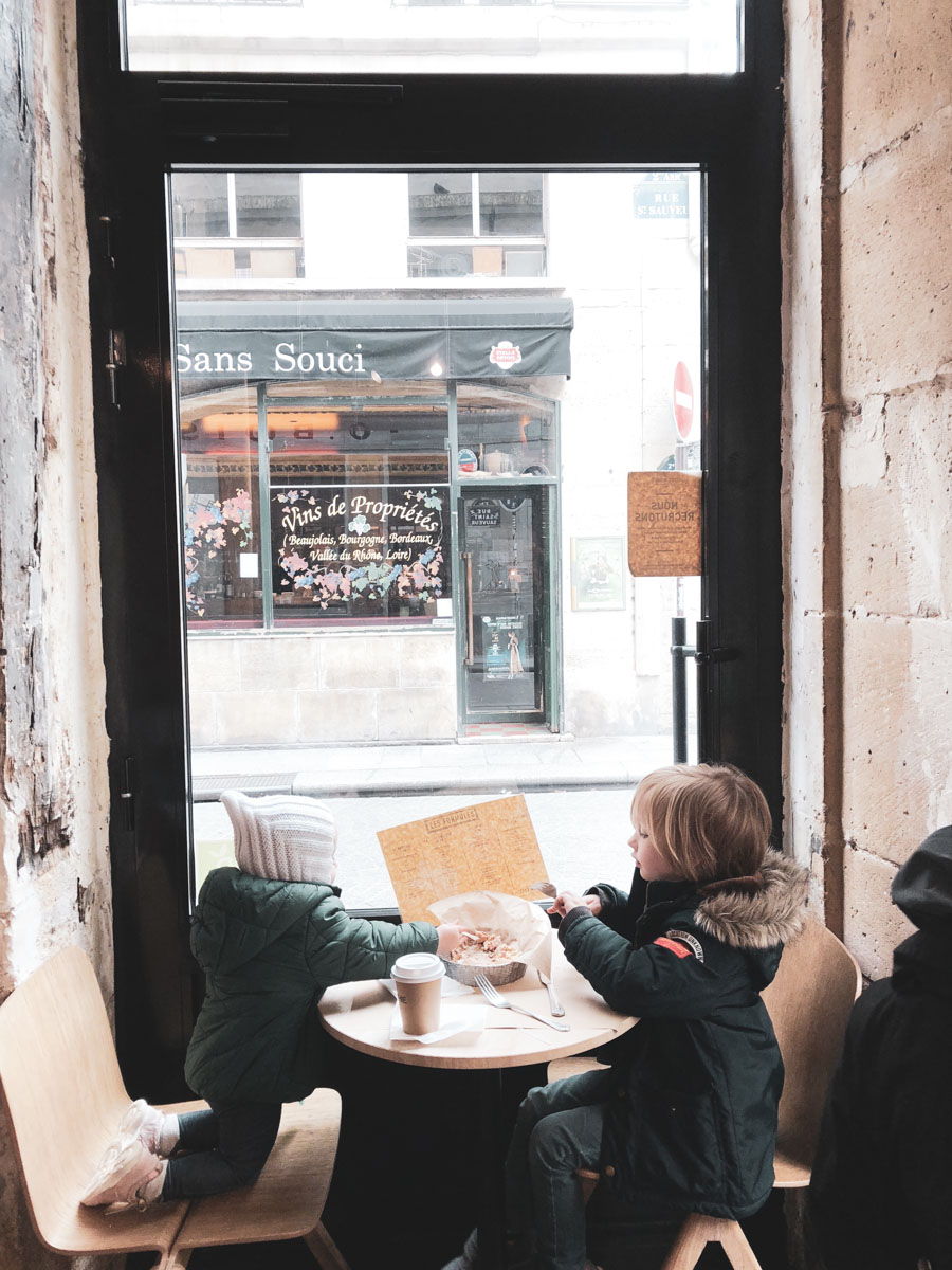 Here are some great tips on eating out in Paris with younger children.