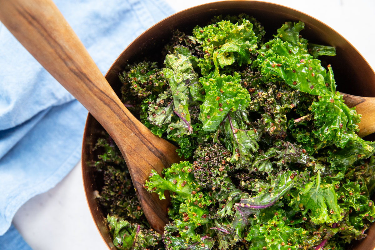 Here's a fabulous vegan kale caesar salad with tons of flavor!